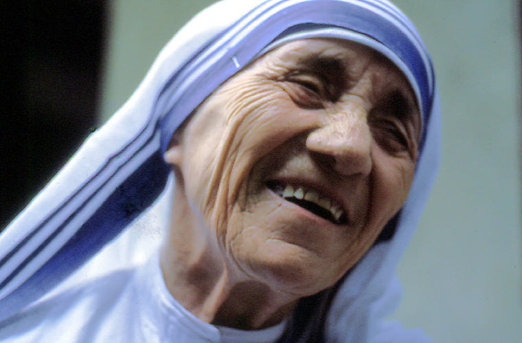 Mother Teresa Love Quotes and Sayings, Photo credit: Wikipedia