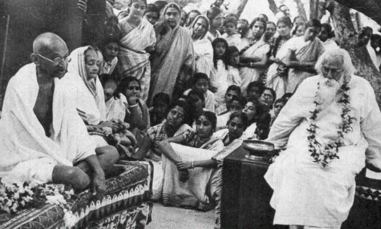 Rabindranath Tagore with Mohandas Gandhi and Kasturba Gandhi at Shantiniketan, British India, 1940, Photo credit: Wikipedia